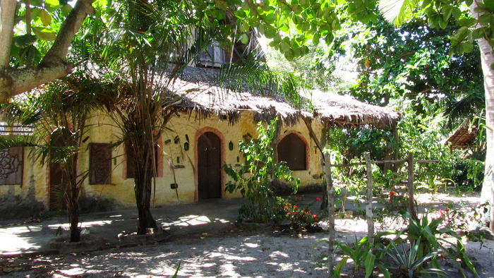 Casa Hippies : Hippie village of arembepe brazil